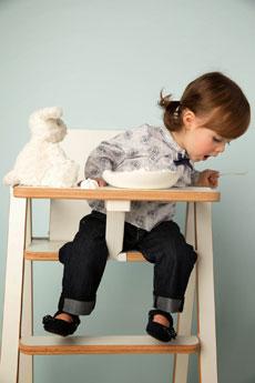 comment bien choisir la chaise haute pour b b. Black Bedroom Furniture Sets. Home Design Ideas
